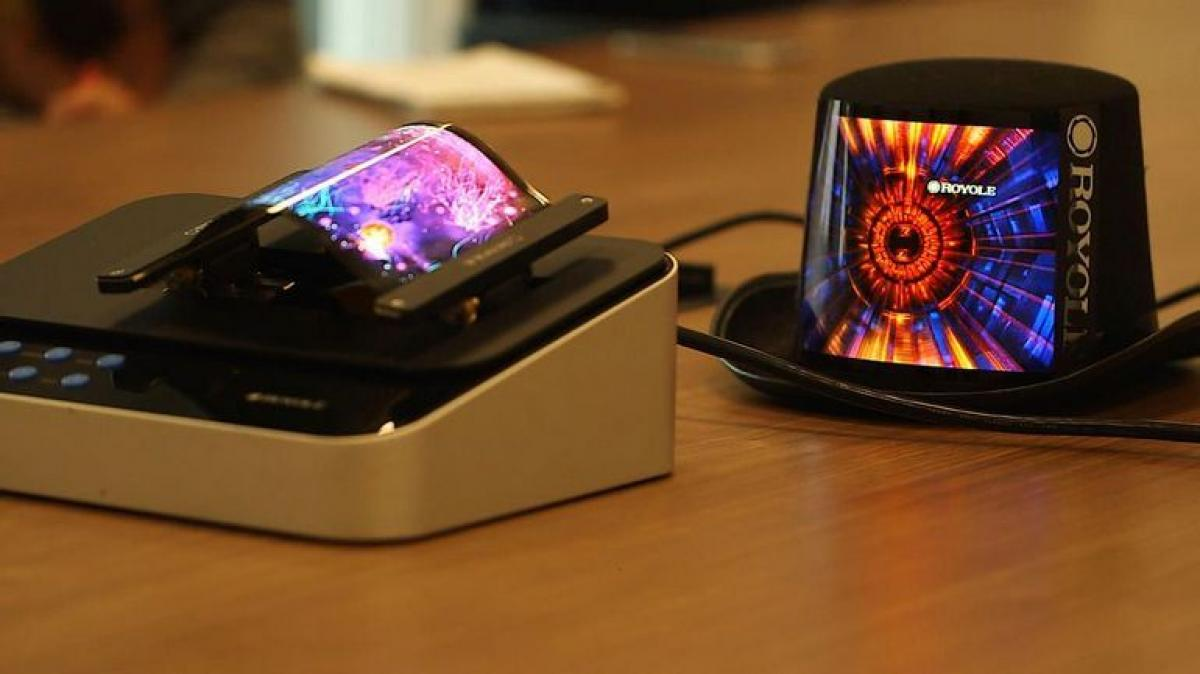 Le modèle de téléphone à écran flexible de Royole